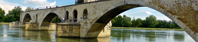 Rendez-vous sur le célèbre Pont d'Avignon !