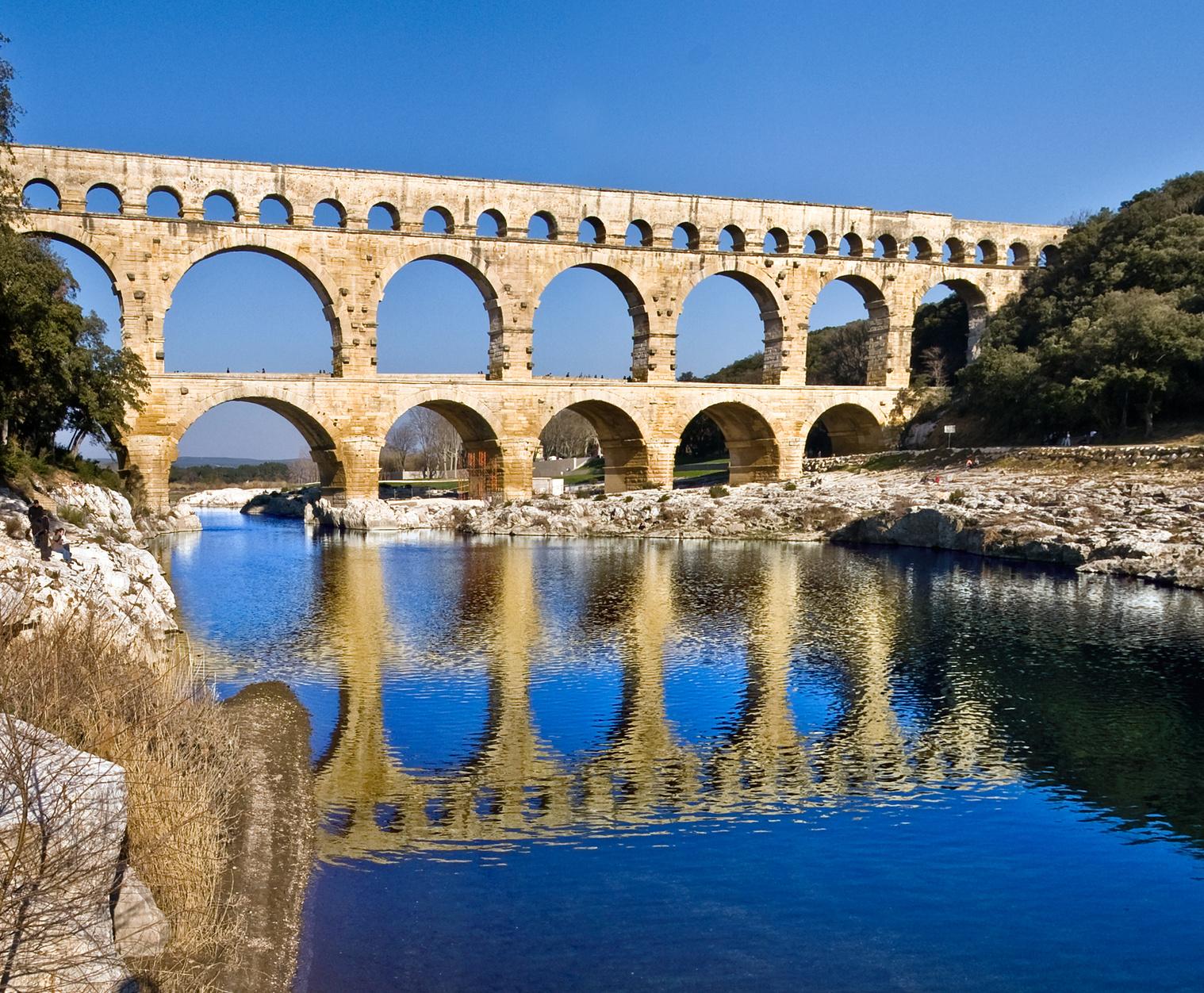 Pont du Gard visite Restaurant hotel Logis de France - L'esquielle - Saint Genies de Malgloires